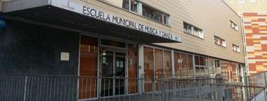 El Auditorio de la Escuela de Música de Collado Villalba acoge hoy, viernes, el espectáculo poético musical 'Sobre el hilo de mi voz'