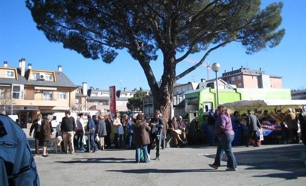 La Asociación Eje Comercial y Empresarial de Los Belgas se pronunciará el lunes sobre el traslado definitivo del mercadillo a El Gorronal