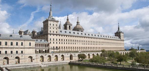 VOX presenta una moción para la posible unificación administrativa de los municipios de El Escorial y San Lorenzo