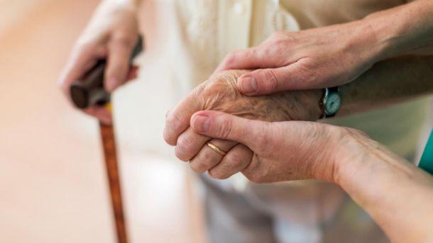 Se eliminan las limitaciones en el número y duración de las visitas a residencias de mayores