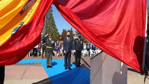 La bandera de España ondea en todos los accesos de entrada a Majadahonda