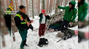 Multan a dos senderistas rescatados el lunes, que salieron a la Sierra 'para evadirse' y se perdieron